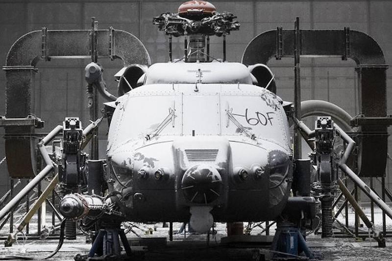 यूएस एमटीआर बचाव हेलीकॉप्टर एचएच -60 डब्ल्यू को अत्यधिक तापमान से चेक किया गया