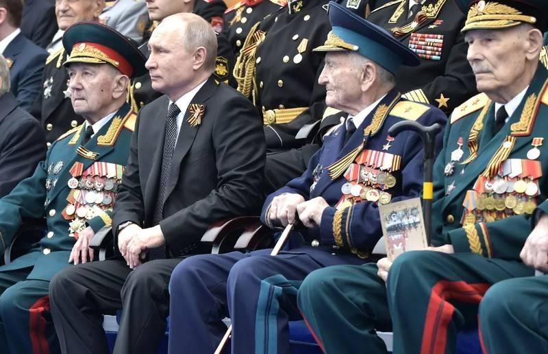 ベテラン組織はプーチンに勝利のパレードを延期するように頼んだ