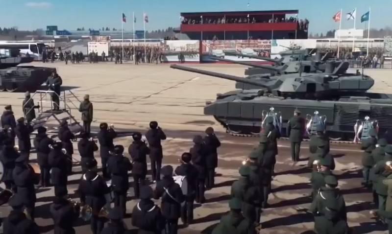 승리 퍼레이드를 준비하는 병사들은 격리되었다