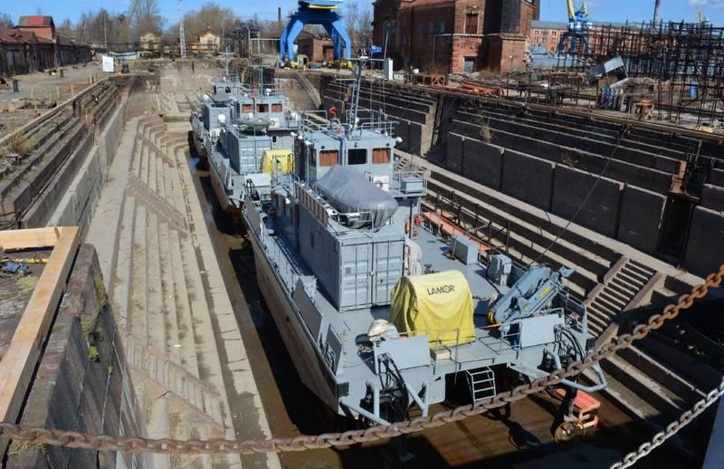Kronstadt'ta restore edilen en eski Rus kuru dok