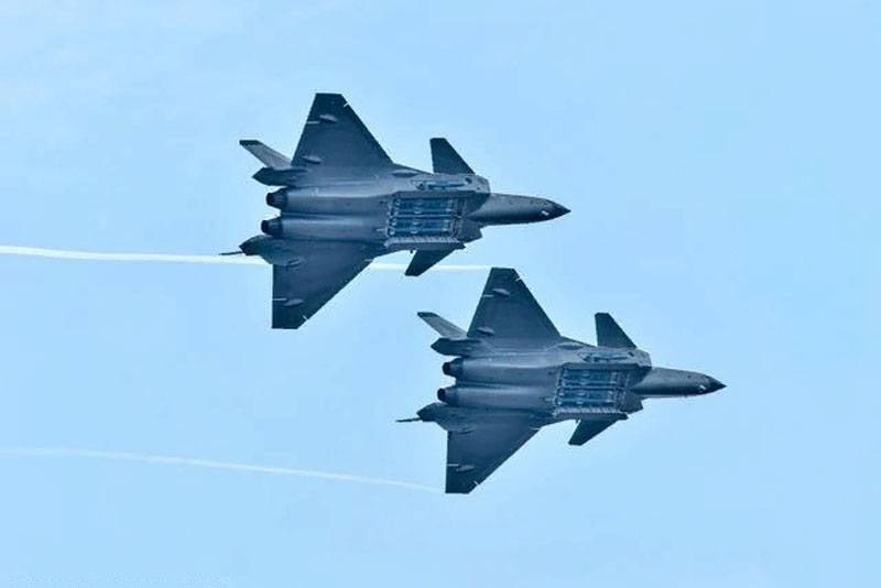"""""""Yuanlai"""" in cinese - """"riuscito"""": nella RPC ha annunciato la soluzione di problemi con il motore per il J-20"""