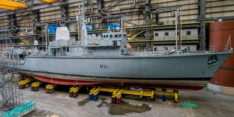 Lithuanian Navy replenished with decommissioned British minesweeper M 41 Quorn type Hunt