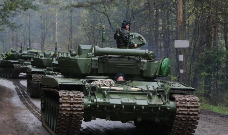 L'esercito bielorusso riceve un lotto di carri armati T-72B3 modernizzati