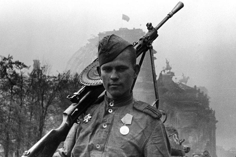 "How Soviet soldiers-liberators turned into ""rapists"""