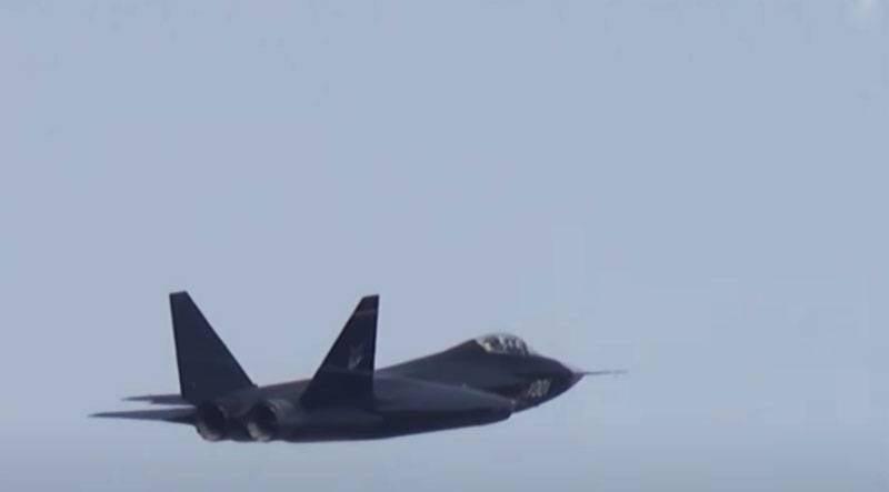 चीनी विशेषज्ञ: मापदंडों में से एक में जे -31 लड़ाकू एफ -35 के करीब आया
