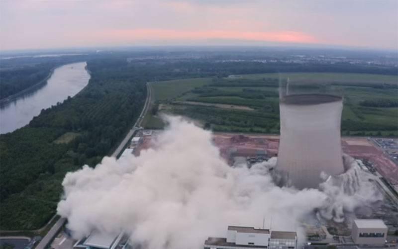 В Германии показали контролируемый подрыв инфраструктуры ранее остановленной АЭС