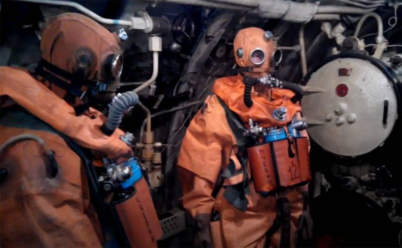 潜水艇的生存问题:如何拯救潜艇船员