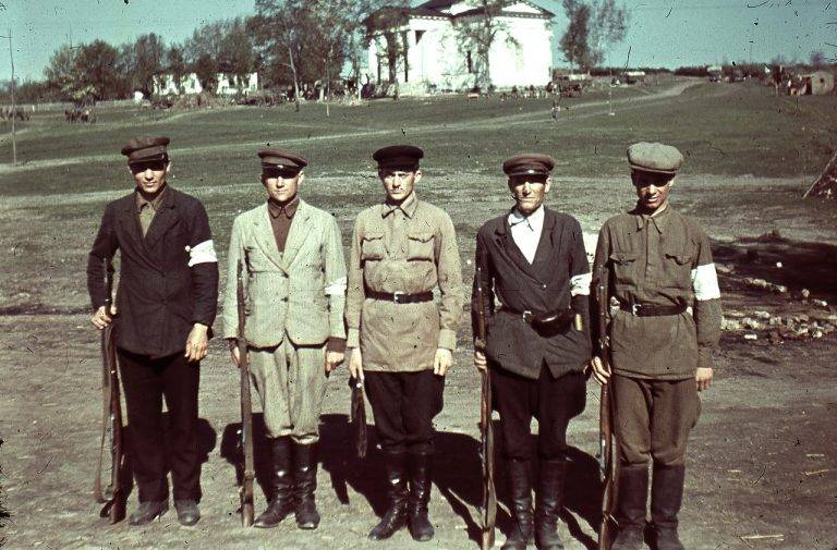 Instead of the front to the policemen. How the Soviet guys were Hipo