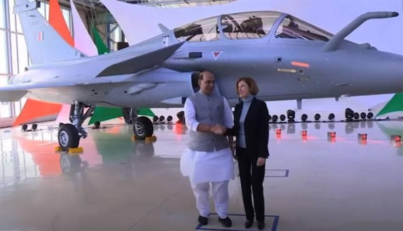 """""""Uzun zamandır seçiyorlar, çok talep ediyorlar"""": yabancı tedarikçiler Hint askeri ihaleleri konusunda gergin"""