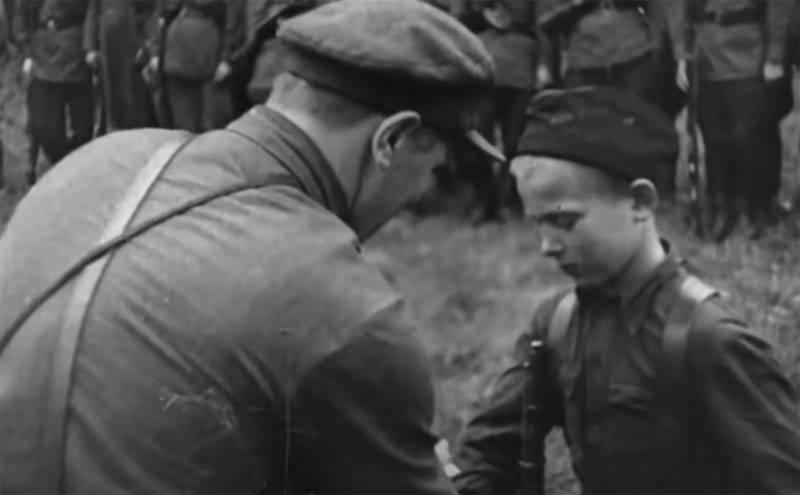 위대한 애국 전쟁의 영웅의 얼굴 : 초상화와 마음에