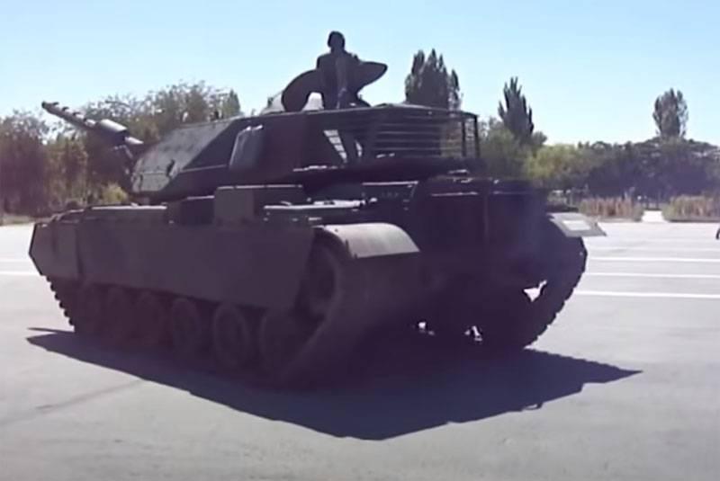 "El mariscal de la Fuerza Aérea LNA Haftar anunció una ""caza"" de tanques desplegados desde Turquía a Libia"