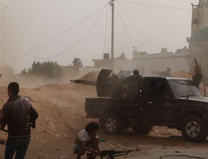 L'esercito di Haftar sconfisse le forze PNS a sud di Tripoli e si trasferì a Garyan
