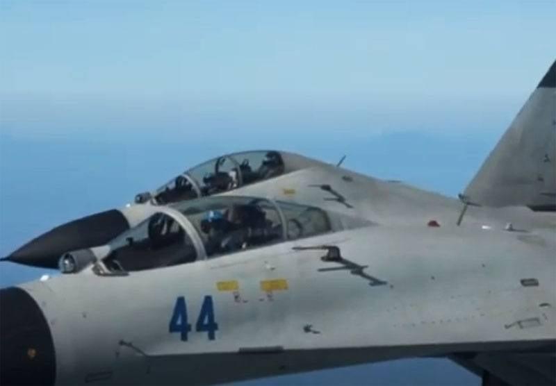 중국은 Su-30을 사용하여 대만 해안에서 미국 공군 C-40 클리퍼 항공기를 요격