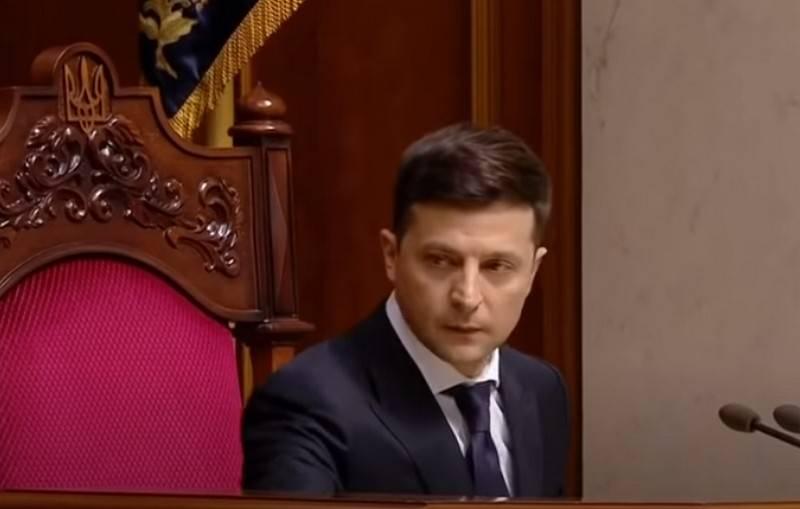 크렘린은 왜 젤 렌스키가 승리 퍼레이드를 위해 모스크바에 초대되지 않았는지 설명했다.