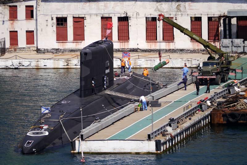 太平洋舰队提前获得两个潜艇浮动泊位