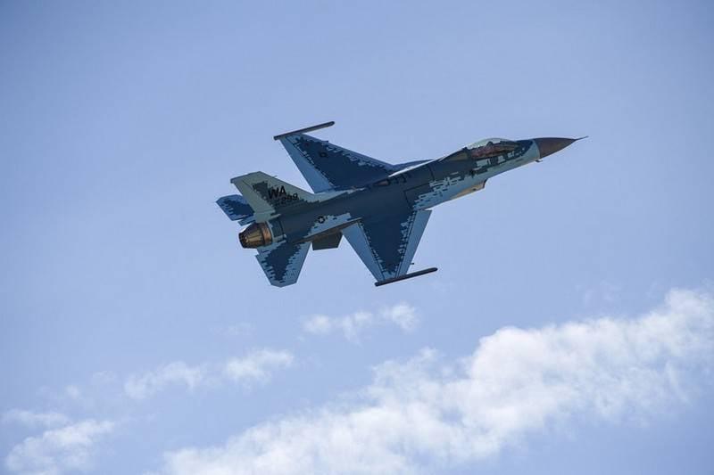 """18 दिनों का काम: """"एफ -16"""" का एक और एफ -57 स्क्वाड्रन सु -XNUMX के तहत पुन: वंचित हो गया"""