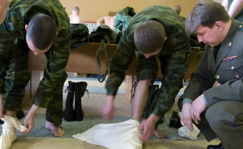 "The National Interest: ""Soviet soldiers were given pieces of rags instead of socks"""