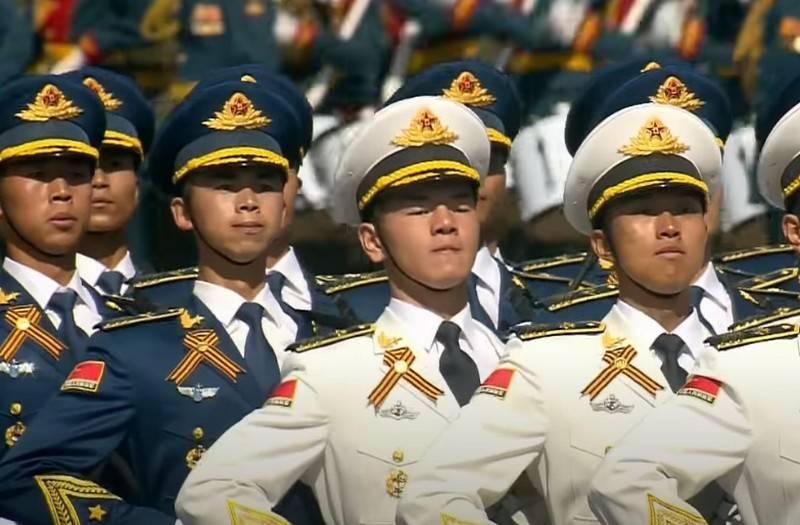 12个外国军队的代表将于24月XNUMX日经过红场