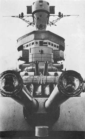 軍艦。 巡洋艦。 彼らはすぐにばら積み貨物船を建造したでしょう...