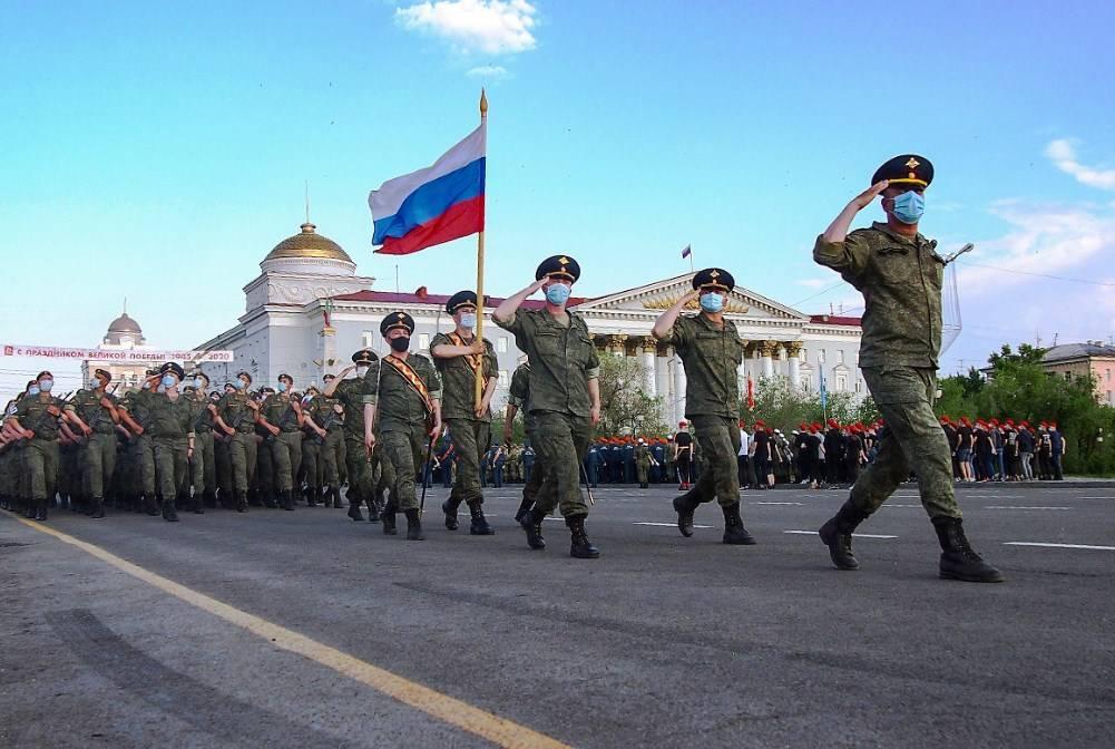 Кремль отреагировал на отмену парада Победы в десятках городов России