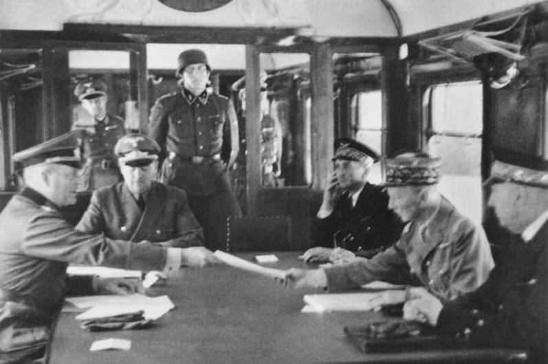 """Section """"Héritage français"""". Comment Hitler a humilié la France"""