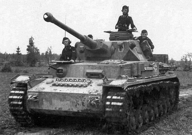 Antitank capabilities of the Soviet self-propelled artillery mount SU-85
