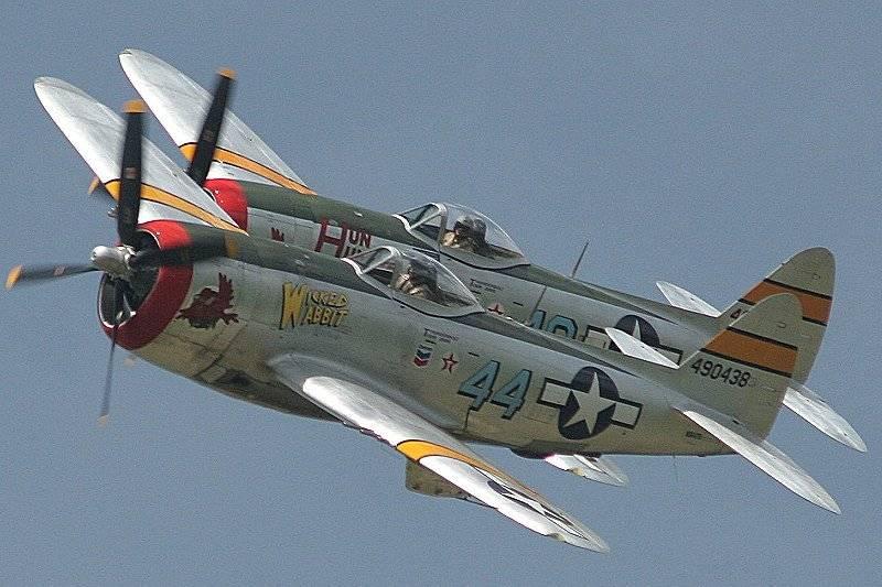 Kampfflugzeug. Dieser böse Carlson ...