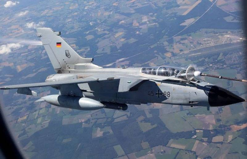 """Users drew attention to the """"leaking"""" plane """"Tornado"""" German Air Force"""