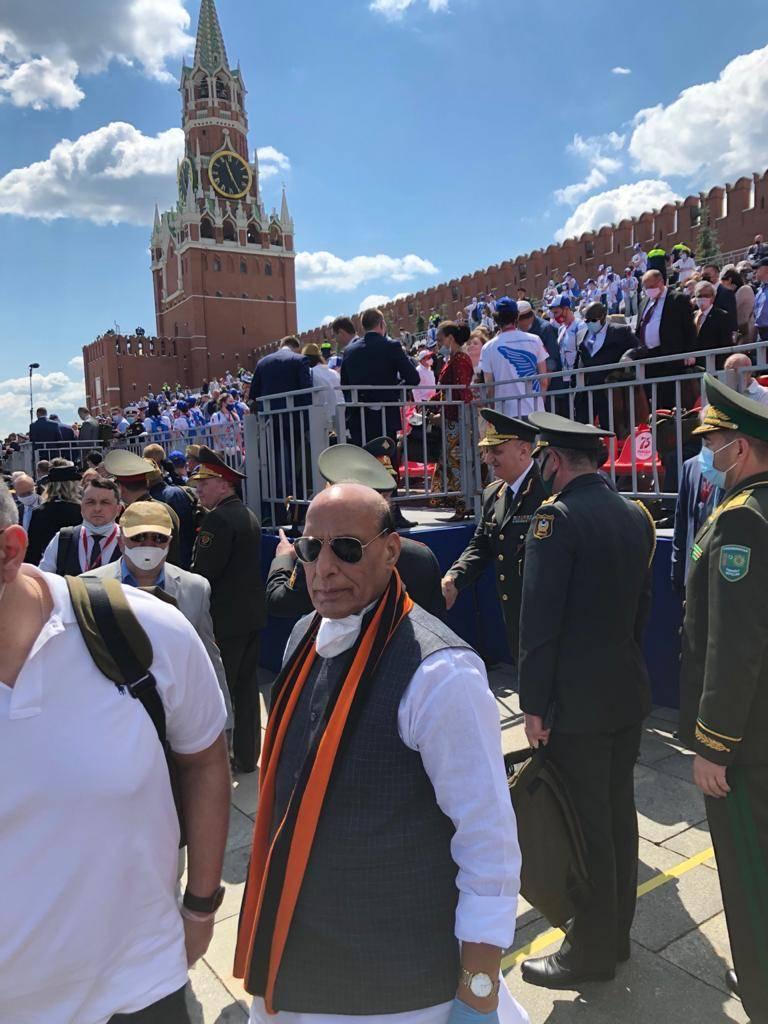 인도 국방 장관의 모스크바 방문 후 미국은 제재로 뉴 델리를 위협했다