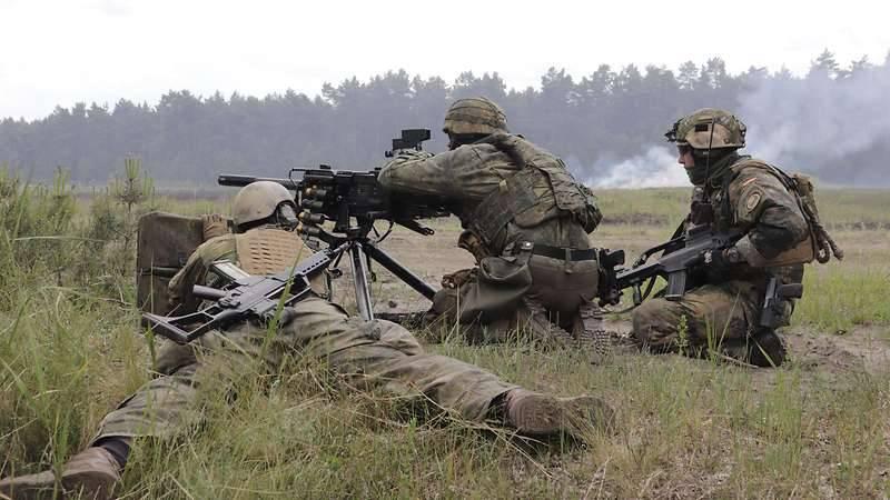 Kommando Spezialkräfte. 우익 극단 주의자들의 영향을받는 Bundeswehr