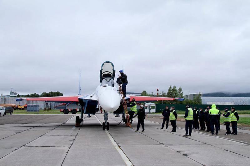 Cuatro nuevos luchadores Su-35S para caballeros rusos listos para transferir