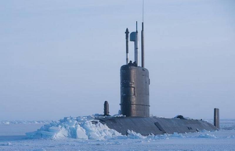 """Grã-Bretanha enviou à Rússia um """"aviso"""" militar"""