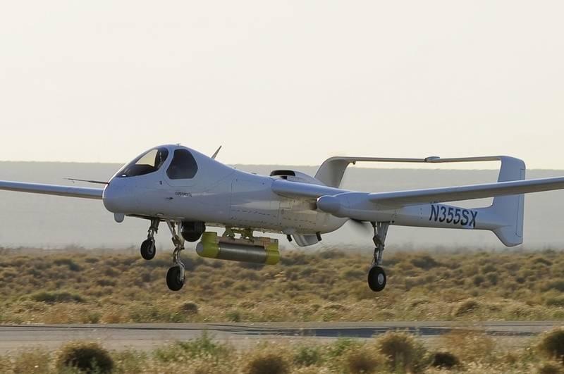 "Nos EUA, outro teste foi realizado ""drone with a pilot"" Firebird"