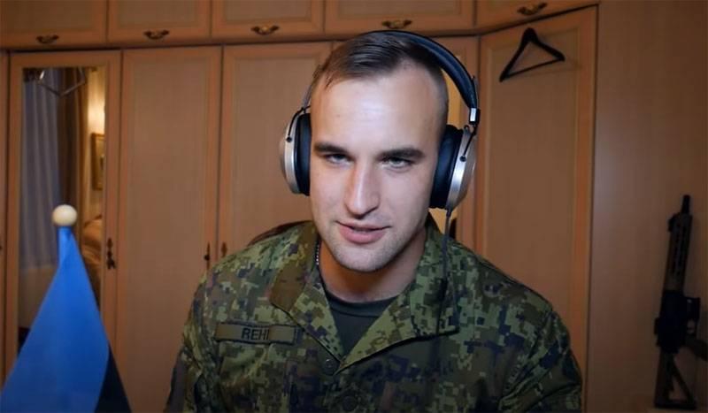 Soldado estonio divertido por las acciones de un desafortunado luchador del ejército de EE. UU.
