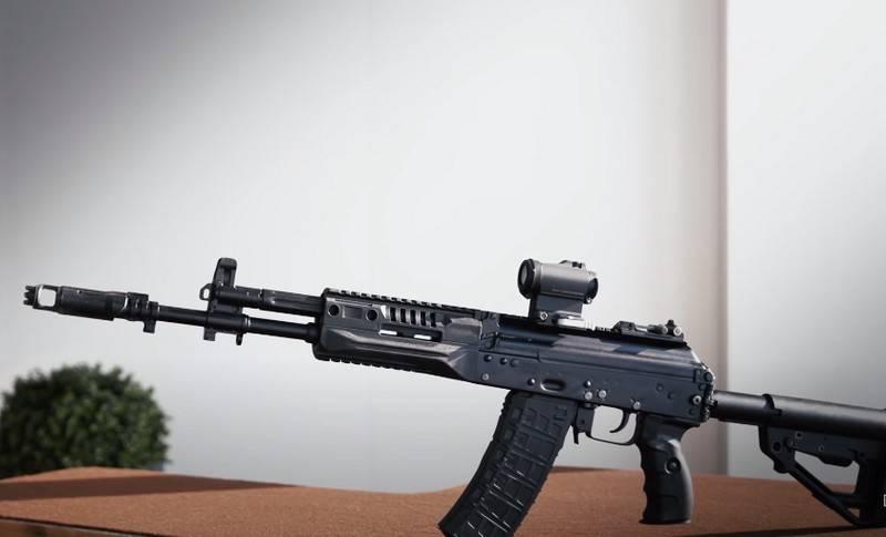 सुदूर पूर्वी VOKU में नए AK-12 असॉल्ट राइफलों का एक जत्था पहुंचा