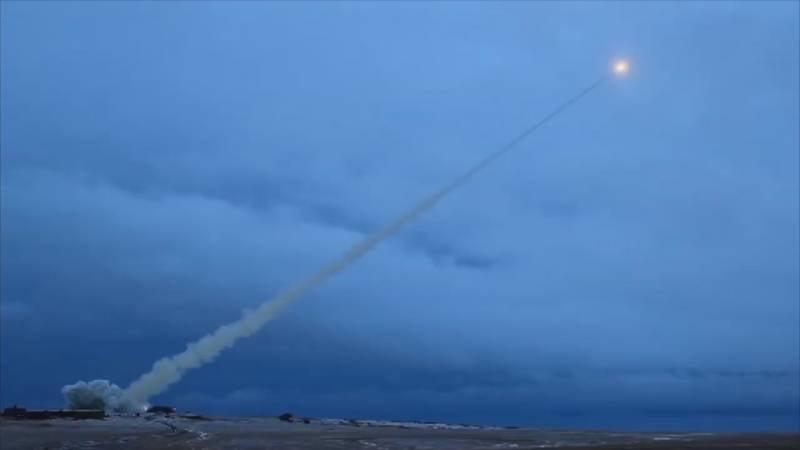 """""""फ्लाइंग चेरनोबिल्स"""": एक परमाणु इंजन के साथ रूसी हवा और पानी के नीचे का परिसर"""