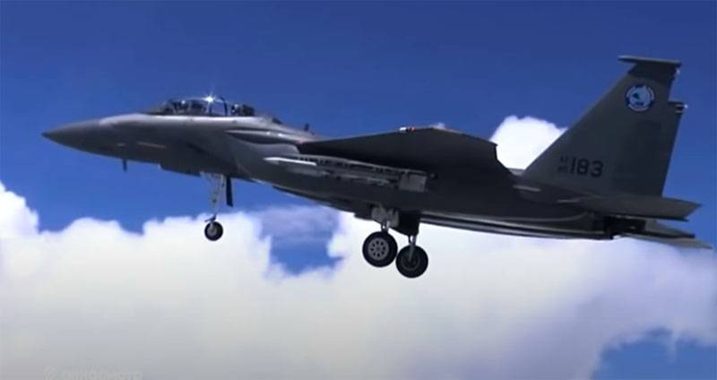 Why is the United States purchasing a large batch of F-15 fighters: versions