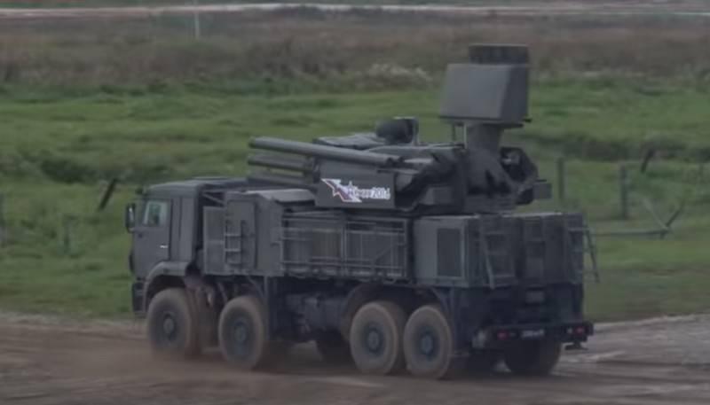 """Los sistemas de misiles de defensa aérea rusos """"Pantsir-S"""" recibieron un sistema de control automatizado"""