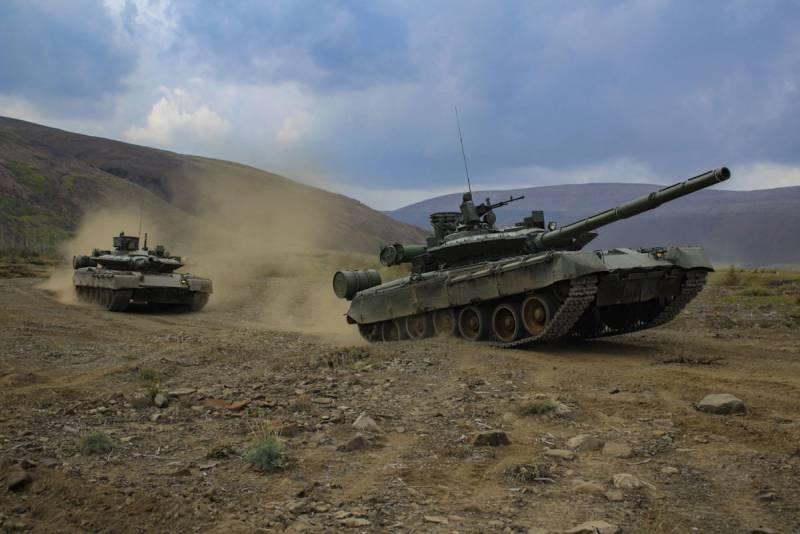 Бронетехника для Арктики: основной боевой танк Т-80БВМ идет в войска