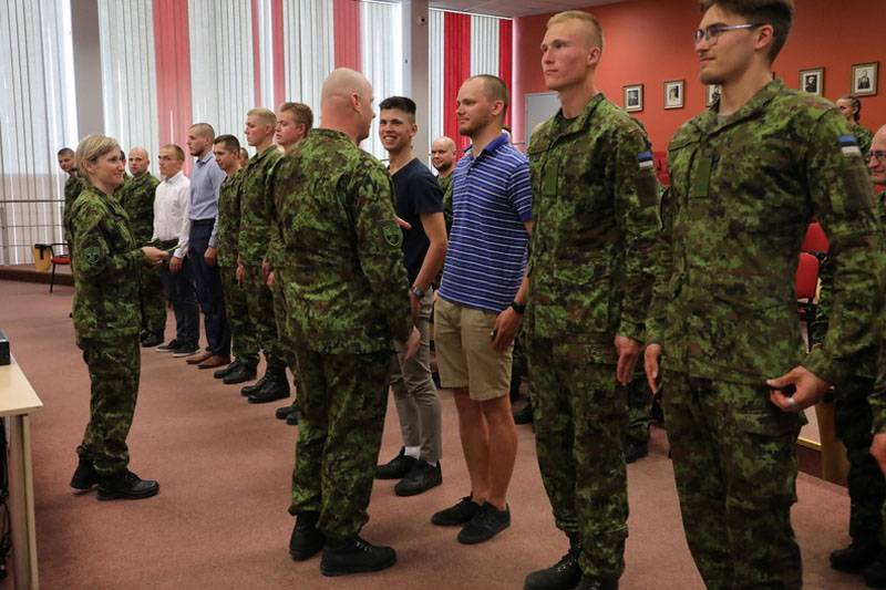 """""""Why are they dressed randomly?"""" Western users surprised by the Estonian system of reservists"""