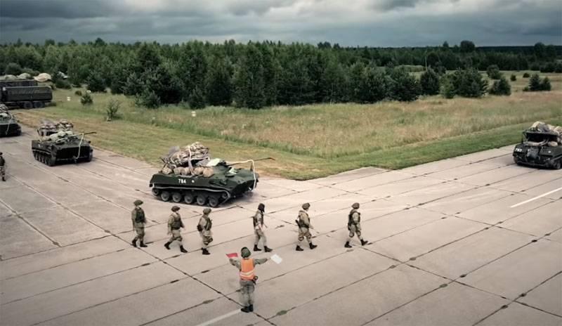 Entraînement au combat des forces aéroportées: travaillez pour de vrais hommes