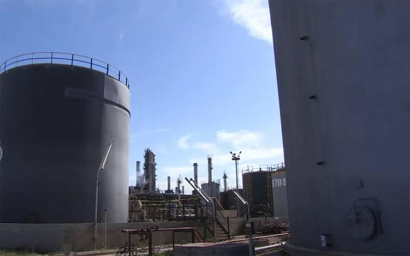 """Mareşal Haftar nefes alabilir: petrol piyasasının çıkarları Libya'daki çatışmayı """"dondurmaya"""" yardımcı oldu"""