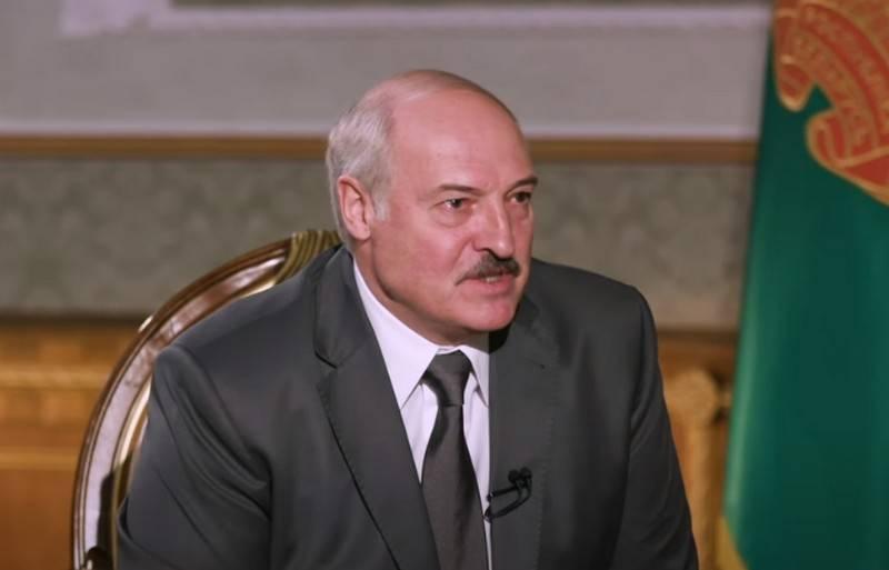 """Lukashenka disse ter recebido informações sobre os """"militantes"""" russos de Kiev"""