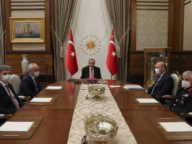 """Le autorità turche si sono offerte di ricostruire """"da zero"""" il porto di Beirut"""