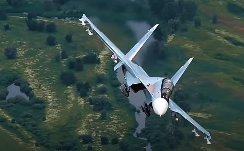 폴란드에서는 Su-30SM 전투기의 현대화를 높이 평가했습니다.