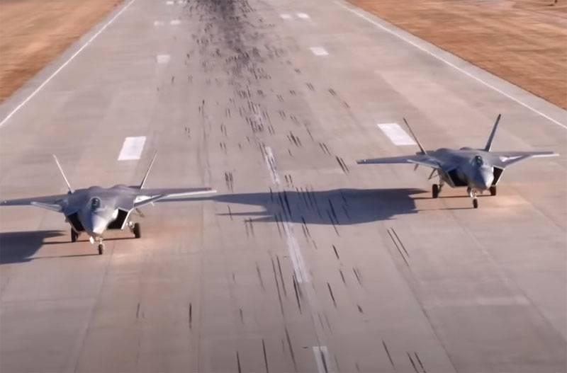 在西方,中国宣布将J-20战斗机转移到印度边境附近