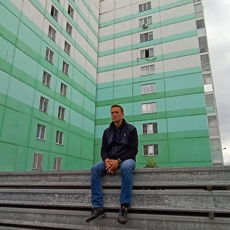 """""""Zehri saklamak için Almanya'da tedavi görmesi için serbest bırakılmadı"""": Navalny'nin sosyal ağlardaki ortakları"""