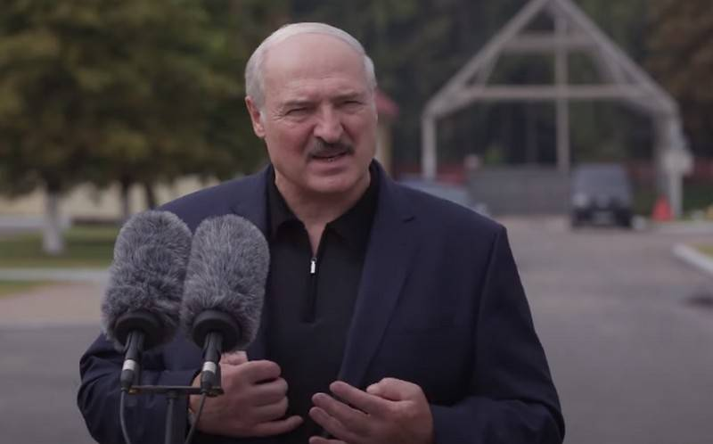 Lukashenka demanded from the military to protect the territorial integrity of the republic