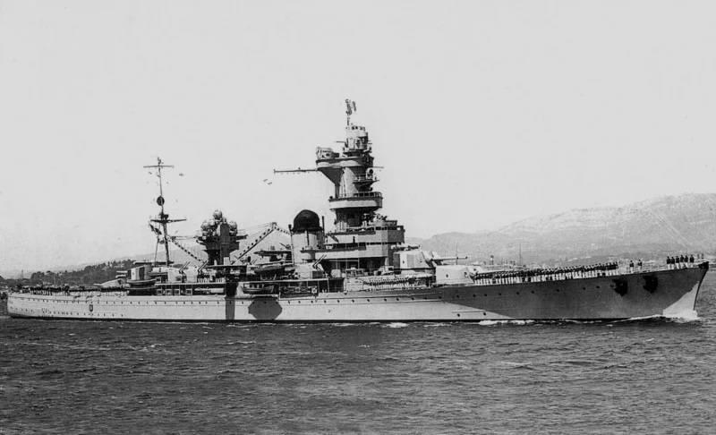 戦闘船。 理想的でムッシュなのはなぜですか?