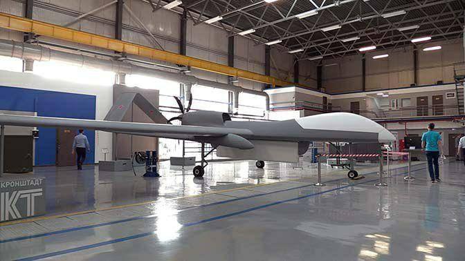 """UAVs avançados """"Sirius"""" e """"Helios"""""""